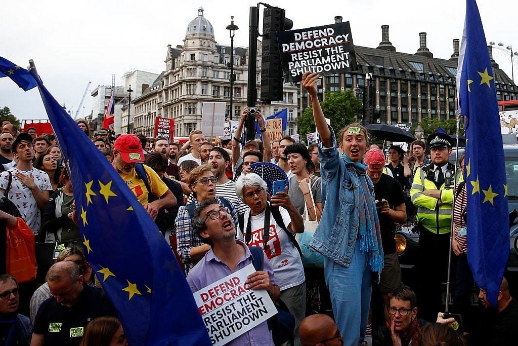 Bantahan ekoran Boris Johnson gantung Parlimen