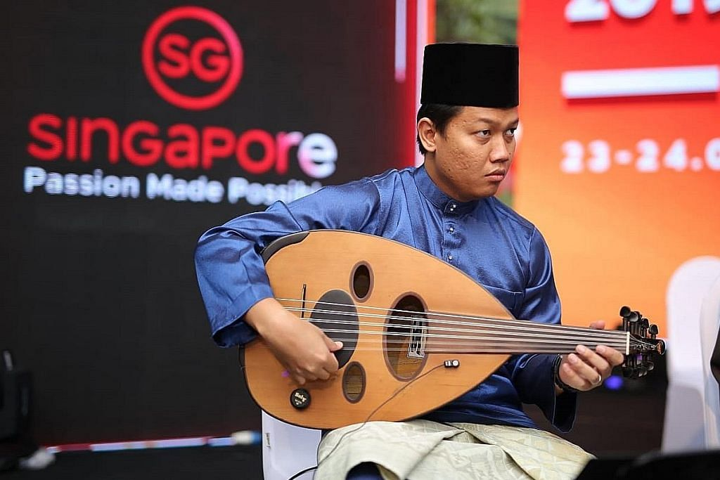 Dari gitar elektrik, beralih minat asah kemahiran bermain gambus