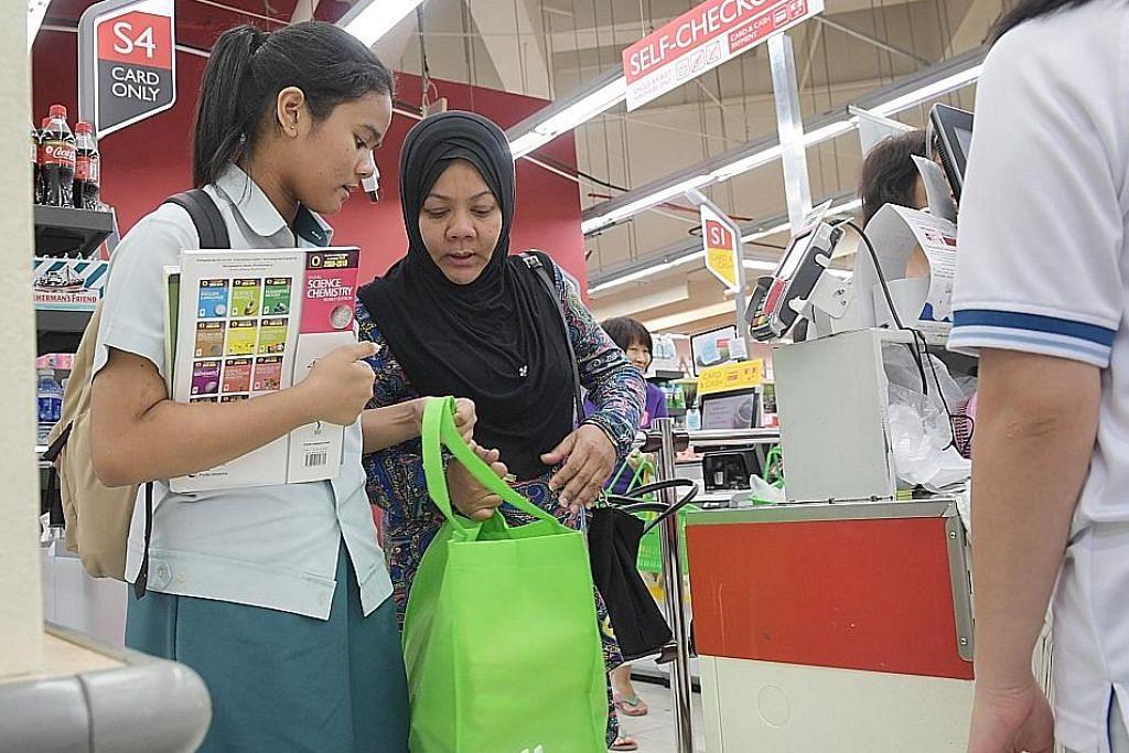 NTUC FairPrice mula kenakan bayaran bagi beg plastik