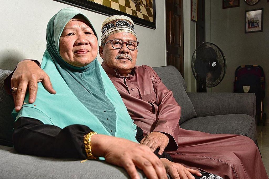 Dua generasi bahagia jadi ibu bapa titipan