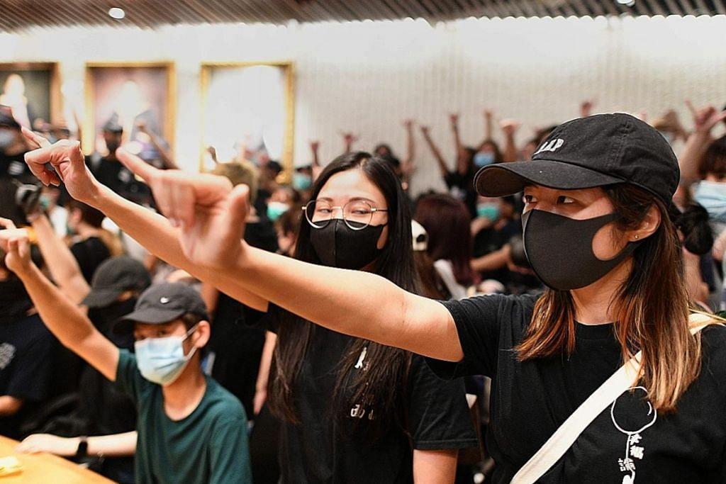 HK bakal guna ordinan darurat bagi larang pakai pelitup muka