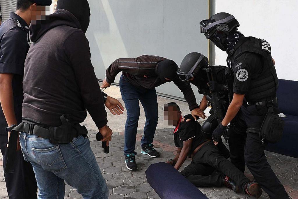 Polis M'sia kesan dana disalur kepada pengganas LTTE