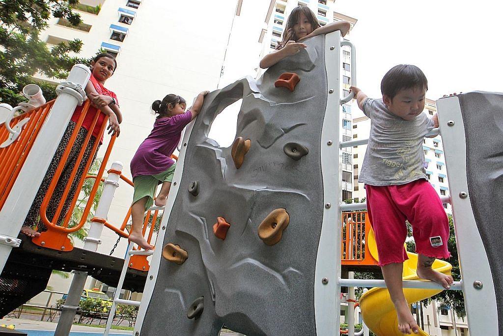 Biarkan anak bermain di luar rumah sekitar dua jam sehari