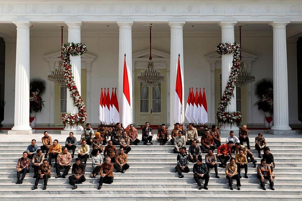 Jokowi gesa menteri perkukuh peraturan, wujudkan pekerjaan