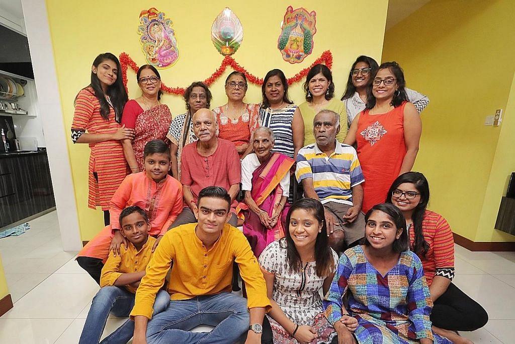 Cahaya kegembiraan keluarga 4-generasi sambut Deepavali
