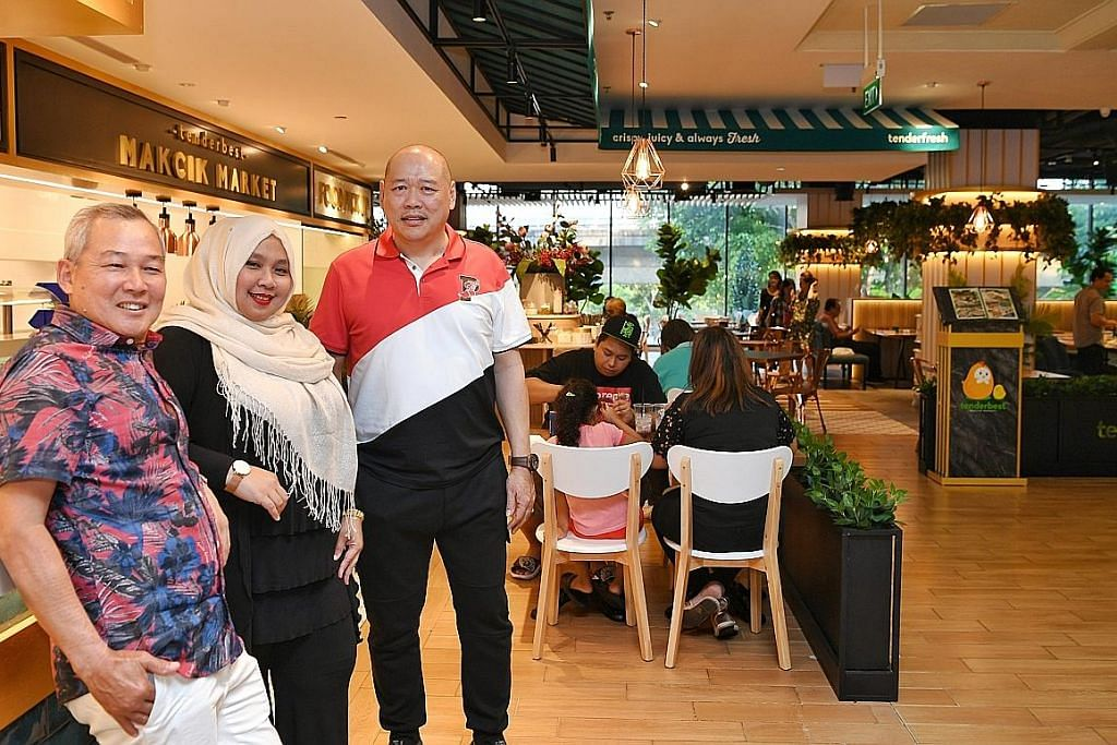 'Makcik' sedia makanan 'fusion' di kafe 'hipster'