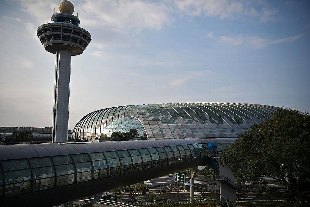 Bandara, parkir, makanan cekut... hmmm