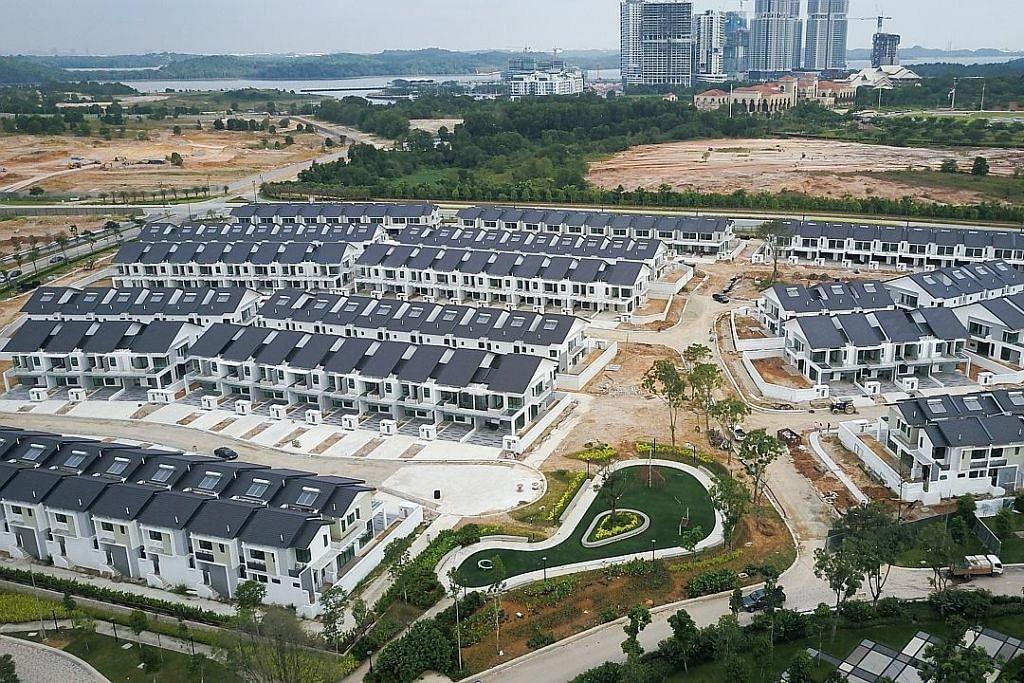 EKONOMI DAN PEKERJAAN Iskandar masih terjejas dengan bekalan rumah berlebihan tidak terjual