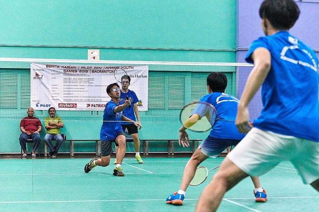 Lebih 420 pelajar sertai pertandingan badminton