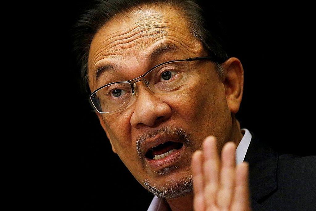 Anwar nafi dakwaan lakukan gangguan seksual ke atas bekas kakitangan lelaki