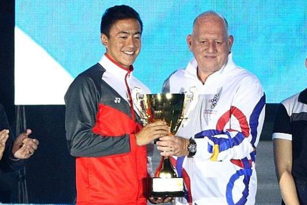 PEMAIN PALING BERHARGA: Quah diberikan anugerah Pemain Paling Bernilai di temasya sukan SEA tahun ini di Filipina. - Foto ZAOBAO