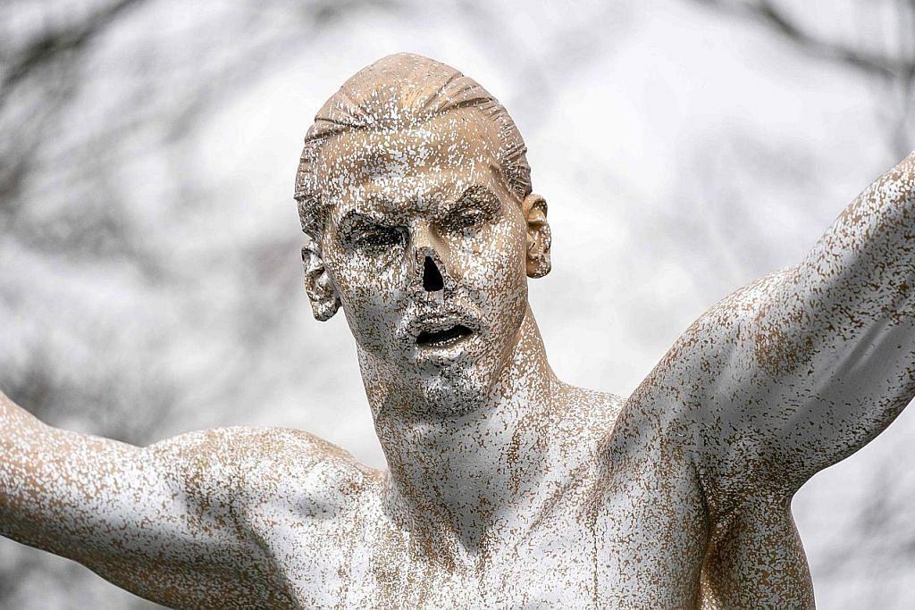 Patung Ibrahimovic jadi sasaran vandal