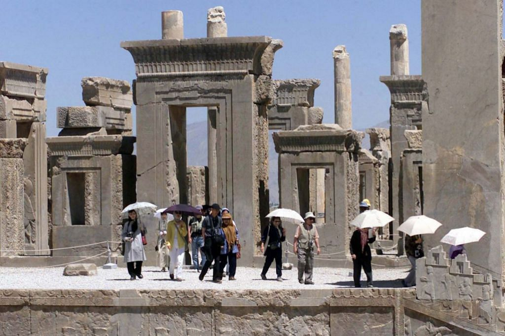 WARISAN SILAM: Iran antara tamadun purba paling bersejarah di dunia dan mempunyai 22 tapak kebudayaan dalam Senarai Warisan Dunia Unesco, termasuk runtuhan Persepolis, ibu kota Empayar Achaemenid. – Foto AFP