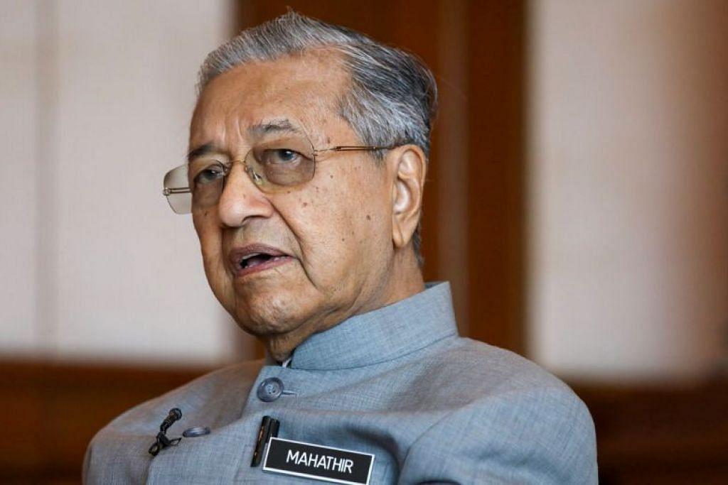 Perdana Menteri Malaysia, Mahathir Mohamad, mempertahankan keputusan MACC menyiarkan rakaman audio melibatkan Datuk Seri Najib Razak. FOTO: REUTERS