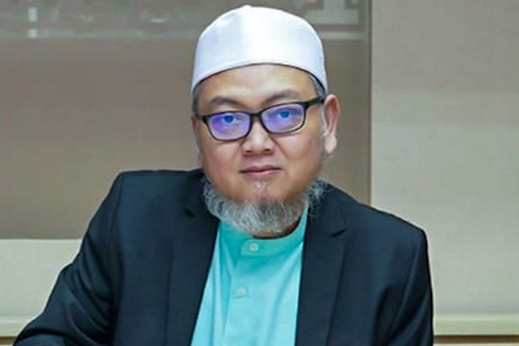 Ustaz Mohd Kamal Mokhtar.