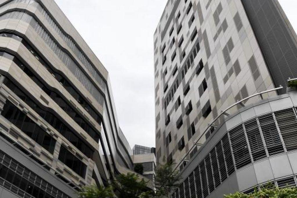 Tiga kes baru yang disahkan Kementerian Kesihatan kini ditempatkan di Pusat Nasional bagi Penyakit Berjangkit (NCID) dan berada dalam keadaan stabil. - Foto DESMOND FOO