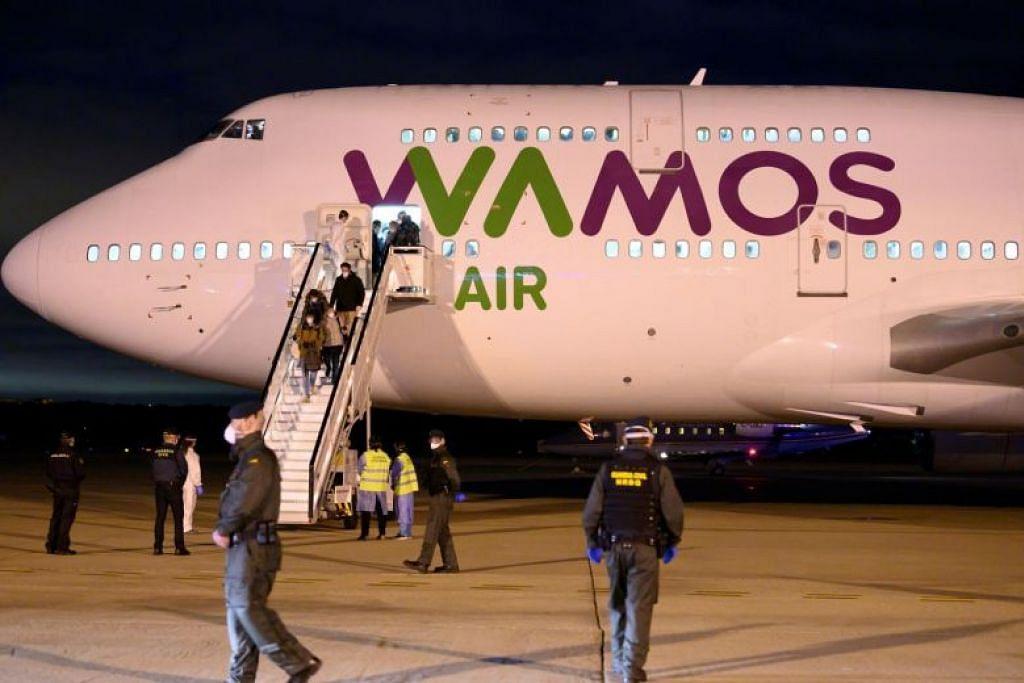 Para pengunjung dari Wuhan telah dihantar pulang dari Pangkalan Udara Torrejon, di luar Madrid, Sepanyol pada 31 Januari lalu.