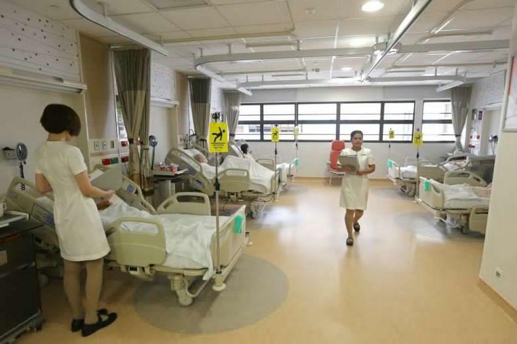 PERIKSA BAGI VIRUS: Terdapat sekitar 500 hingga 600 pesakit dengan radang paru-paru di Singapura setiap minggu yang perlu diperiksa bagi koronavirus.