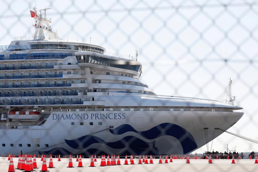Kapal persiaran Diamond Princess di Terminal Kapal Persiaran Pier Daikoku di Yokohama, Jepun. - Foto REUTERS