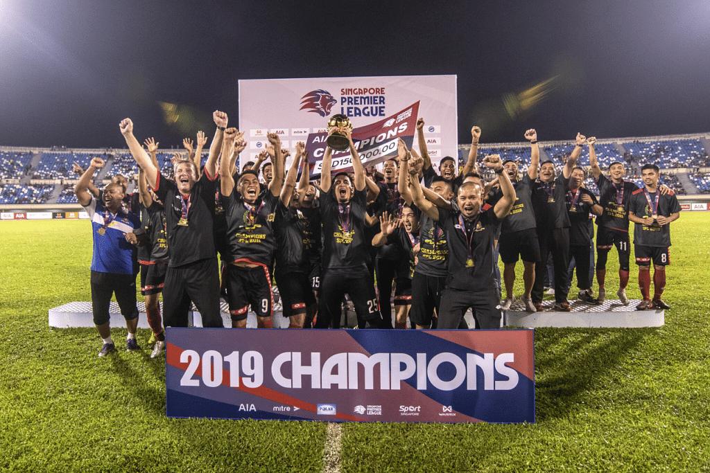 Brunei DPMM merangkul kejuaraan Liga Perdana Singapura pada musim lalu. - Foto SINGAPORE PREMIER LEAGUE