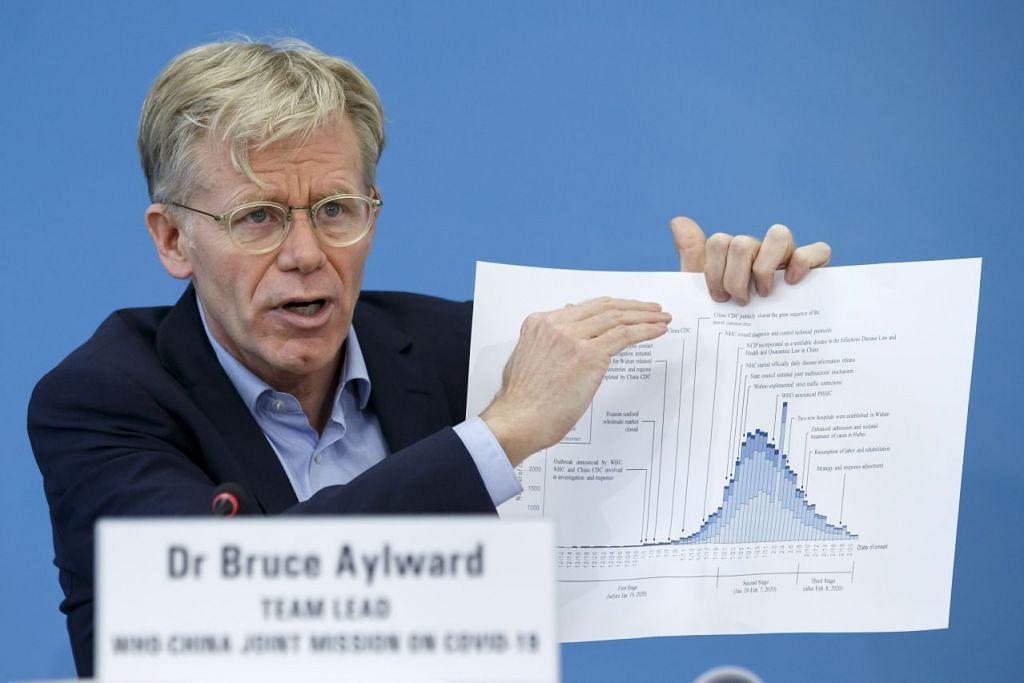 Encik Bruce Aylward memaklumkan kepada media tentang virus Covid-19 setelah pulang dari China. FOTO: EPA-EFE.