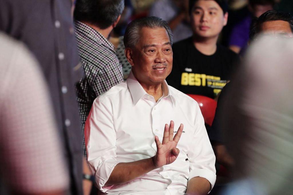 Muafakat Nasional menandatangani akuan berkanun supaya Tan Sri Muhyiddin Yassin dijadikan PM setelah Dr Mahathir meletakkan jawatannya dan enggan menerima jawatan. - Foto: Fail