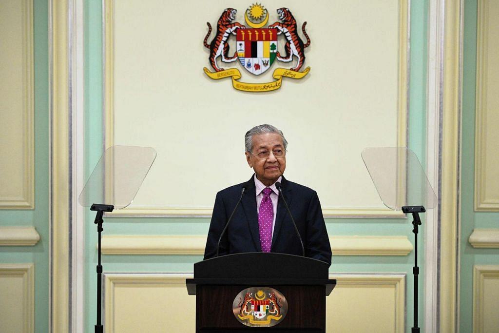 Perdana Menteri Sementara Malaysia, Dr Mahathir Mohamad telah meletakkan jawatannya sebagai pengerusi Parti Pribumi Bersatu Malaysia pada 24 Februari 2020 namun kini ingin telah setuju untuk kembali. - Foto: AFP