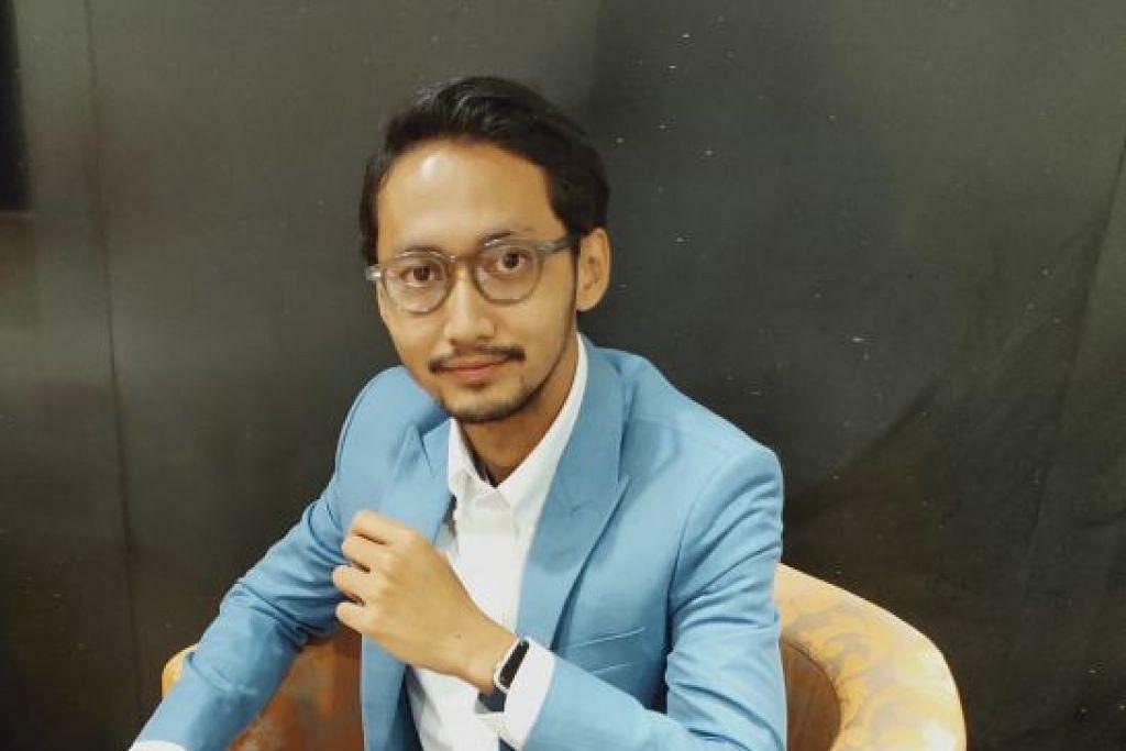Sufian Suhaimi hasilkan buku puisi Di Matamu Senandika Sufian Suhaimi yang mengandungi 66 sajak dan luahan bicara khas buat peminat. - Foto BH oleh SITI NURASHIKA MOHD ALI