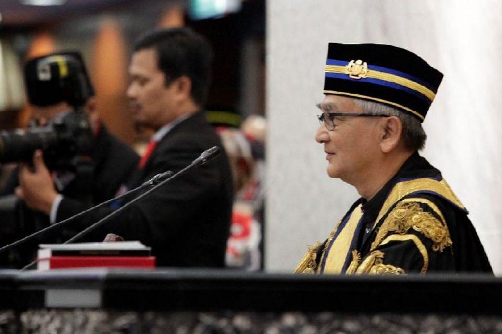 Speaker Parlimen Malaysia, Tan Sri Mohamad Ariff Mohamad Yusof berkata tiada sidang Parlimen pada 2 Mac melainkan dititah Yang di-Pertuan Agong.