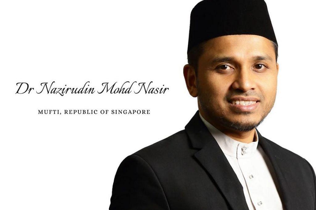 Ustaz Dr Nazirudin memulakan peranan baru sebagai Mufti Singapura selepas mengambil alih peranan itu daripada Dr  Mohamed Fatris Bakaram, yang berkhidmat selama sembilan tahun.