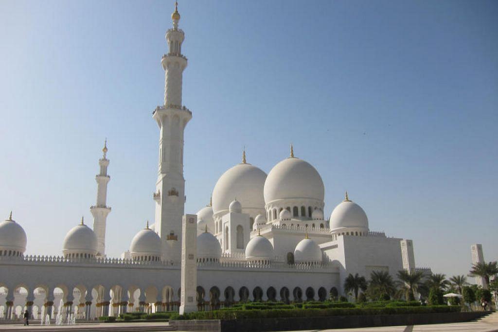 Solat Jumaat di masjid di UAE tidak boleh melebihi 10 minit bagi mengurangkan kemungkinan penyebaran koronavirus.