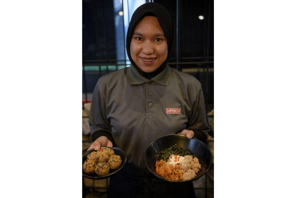 MAKANAN ASLI KOREA: Restoran Hanok yang baru mendapat sijil halal menawarkan makanan asli Korea seperti bebola nasi dan bibimbap. - Foto BM oleh MARK CHEONG