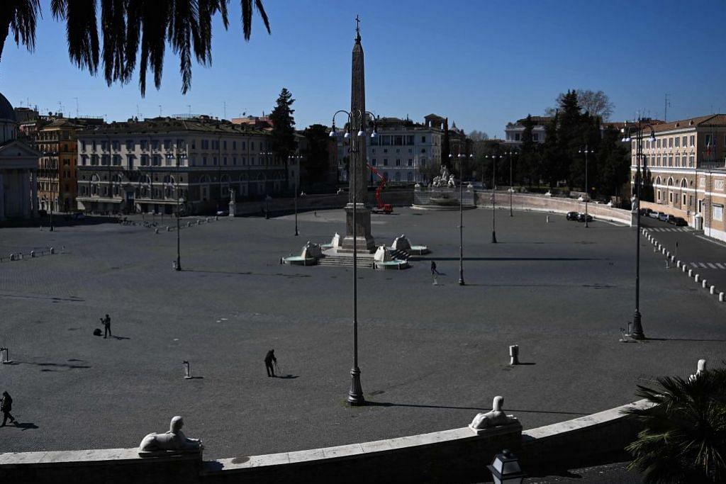 LENGANG: Kawasan di dataran Piazza del Popolo di ibu kota Rome lengang selepas pemerintah Italy melaksanakan sekatan perjalanan di seluruh negara itu. – Foto AFP