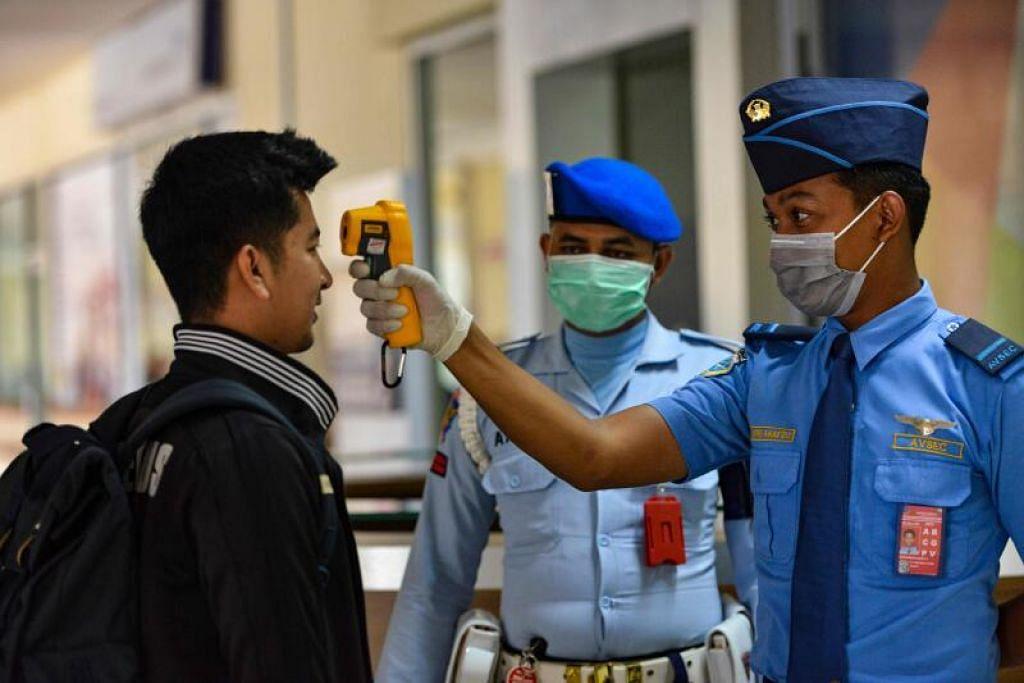 TINGKATKAN RESPONS: Indonesia memperuntuk semula 17.17 trilion rupiah ($1.6 bilion) untuk tangani koronavirus.