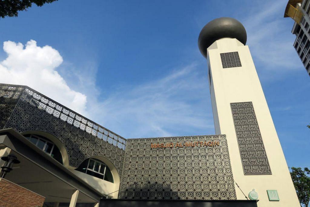 Masjid Al-Mutaqqin di Ang Mo Kio merupakan antara masjid yang dikunjungi pesakit Covid-19 di Singapura. - Foto FAIL