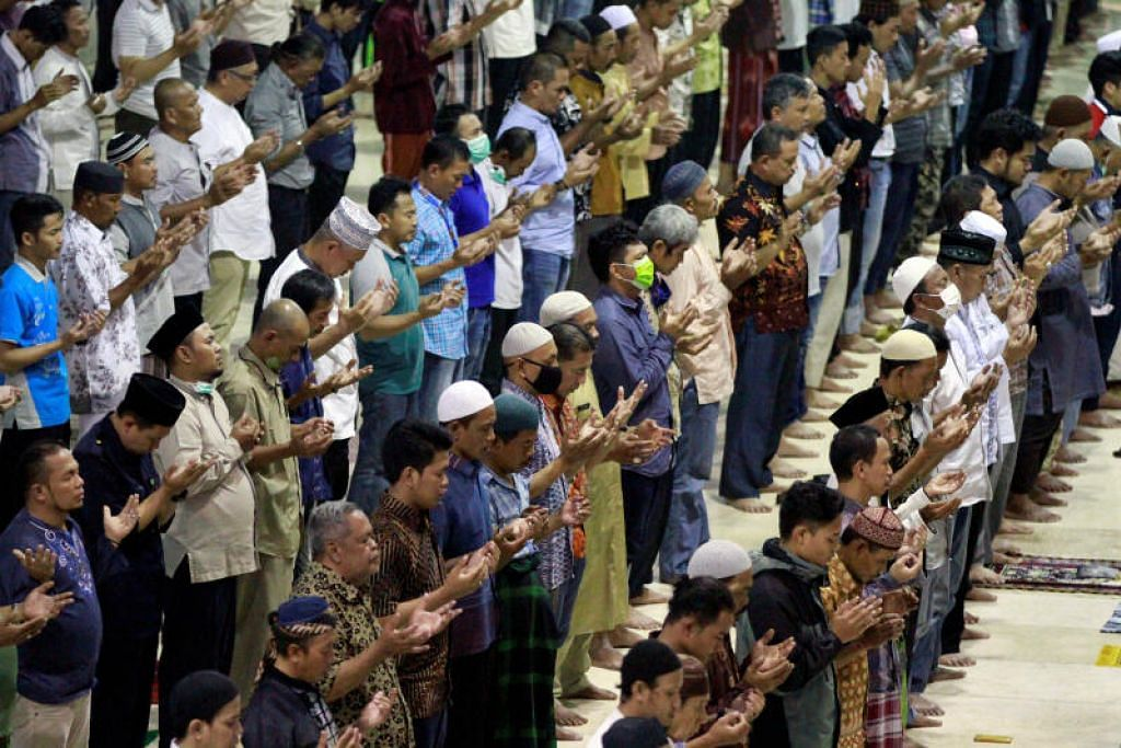 Keadaan darurat selama dua minggu diisytihar di Jakarta.