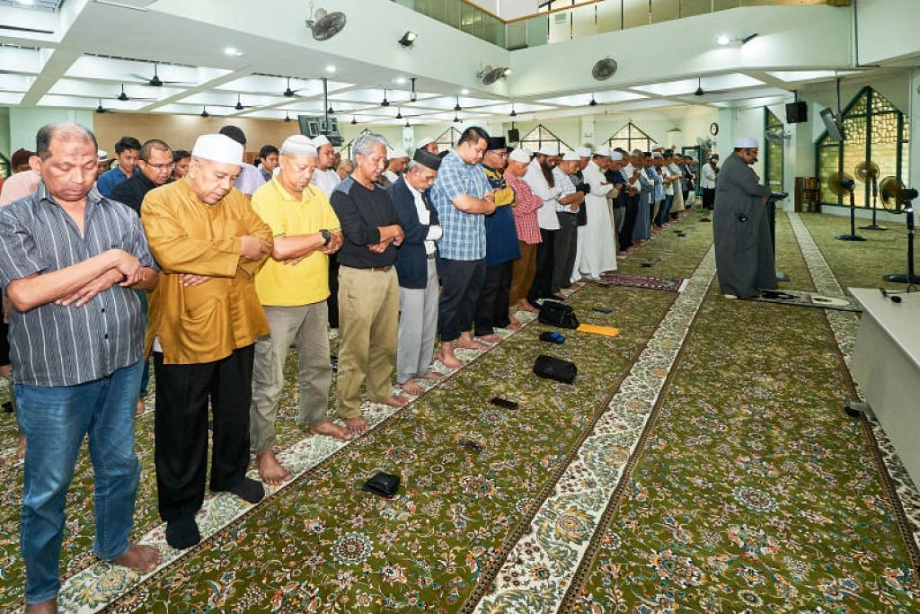 SMALL PRAYER SPACES FOR WORKING JEMAAH