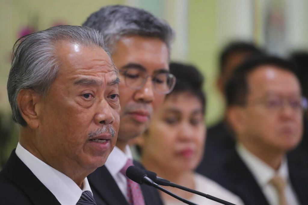 Pakej Rangsangan Ekonomi Prihatin Rakyat bernilai RM250 bilion (S$83.6 bilion) yang diumumkan Perdana Menteri Malaysia Tan Sri Muhyiddin Yassin (paling kiri) pada Jumaat akan memberi manfaat kepada semua lapisan rakyat di Malaysia. - Foto EPA-EFE