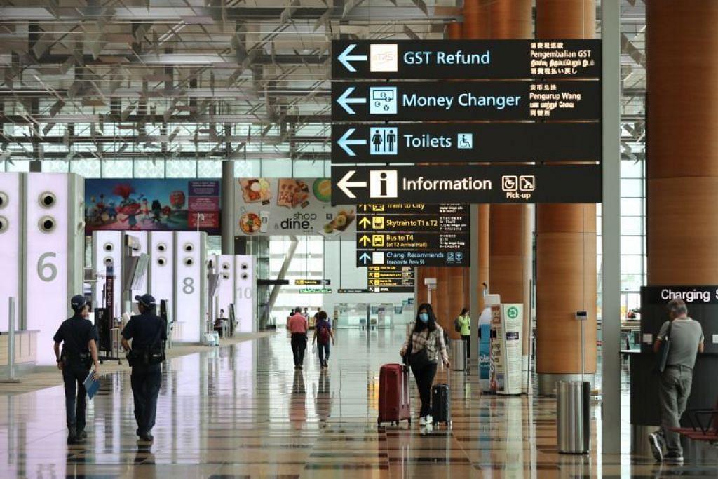 Ada segelintir pelawat yang tiba di Lapangan Terbang Changi berkata adalah tidak jelas kepada mereka bila notis jangan keluar rumah selama 14 hari patut bermula.