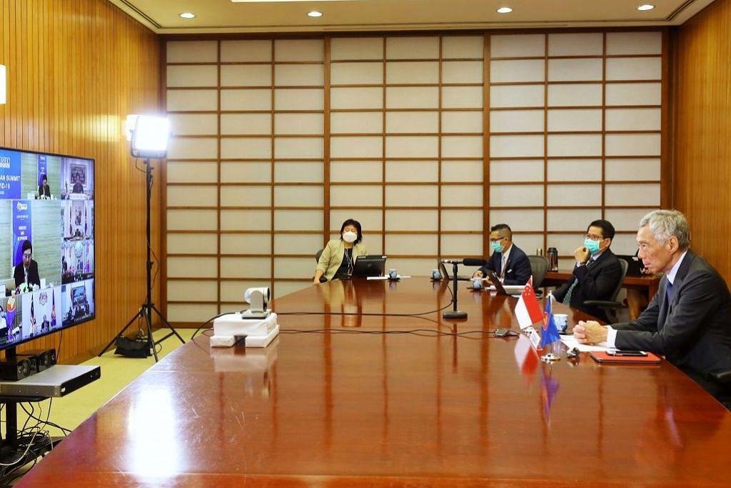 SIDANG ASEAN: Perdana Menteri Lee Hsien Loong menyertai Sidang Asean Khas mengenai Covid-19 menerusi sidang video pada 14 April 2020.