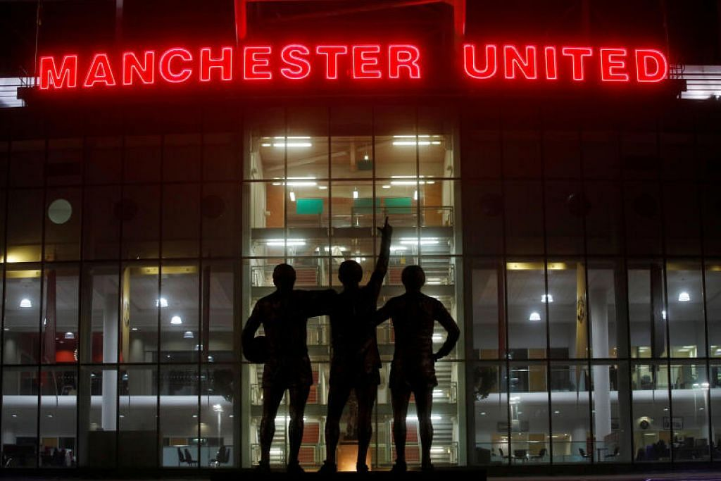 United mengalami kerugian tambahan £8 juta sepanjang tiga minggu akhir Mac apabila tiga perlawanan mereka ditunda.  - Foto REUTERS