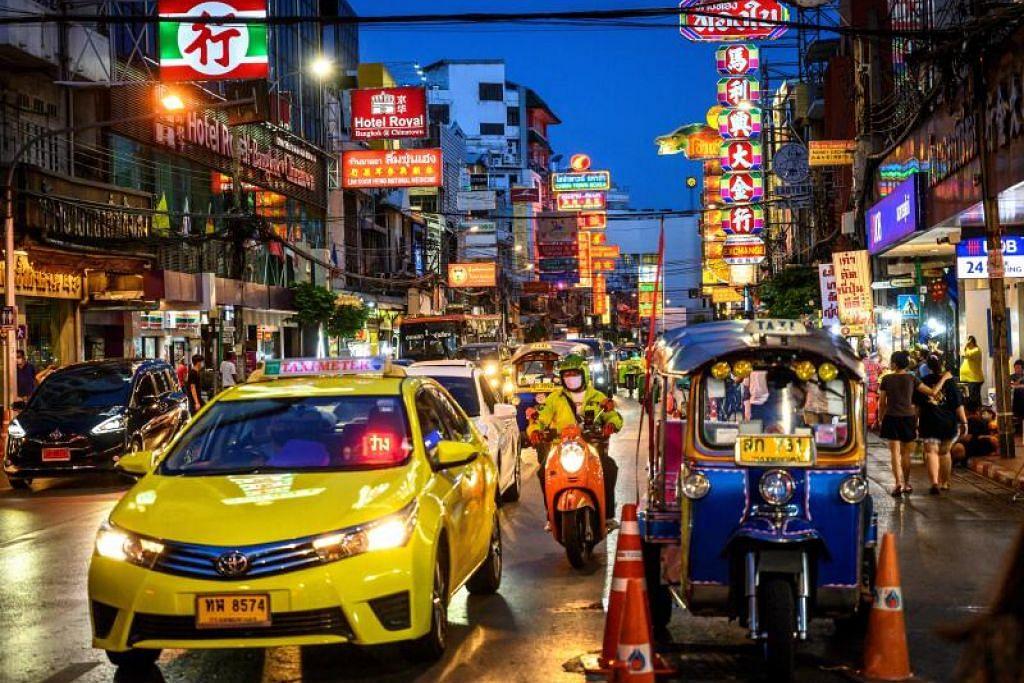 LANJUTKAN TEMPOH: Pelanjutan perintah darurat itu juga bagi membolehkan kerajaan Thailand menggubal langkah-langlah yang lebih berkesan untuk mengekang wabak selain bersedia untuk fasa pelonggaran seterusnya.