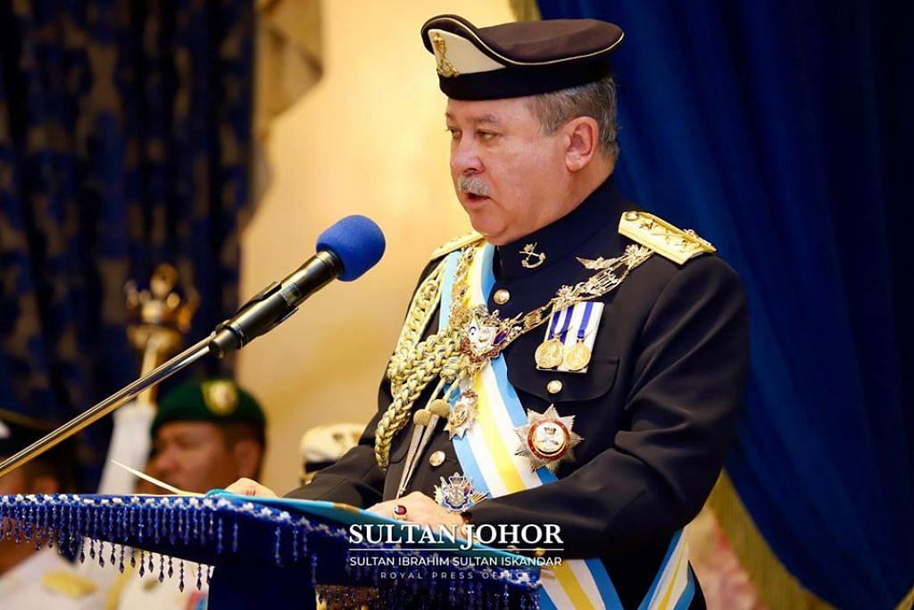 BERI AMARAN: Sultan Johor, Sultan Ibrahim Iskandar, hari ini memberi amaran menitahkan pembubaran Dewan Undangan Negeri (DUN) dengan serta-merta jika perebutan kuasa dalam kalangan wakil rakyat negeri ini terus berlaku.