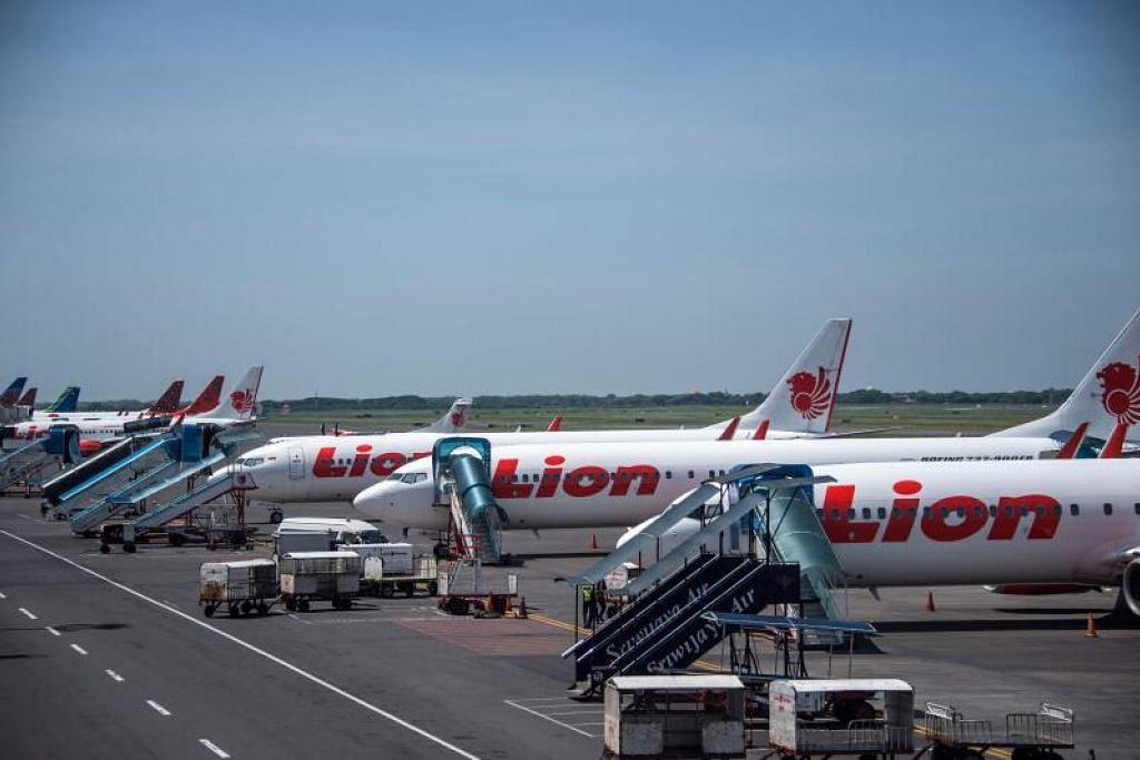 GANTUNG SEKETIKA: Syarikat penerbangan Lion Air mendapati kebanyakan penumpangnya belum dapat mematuhi protokol kesihatan Covid-19 pemerintah Indonesia,