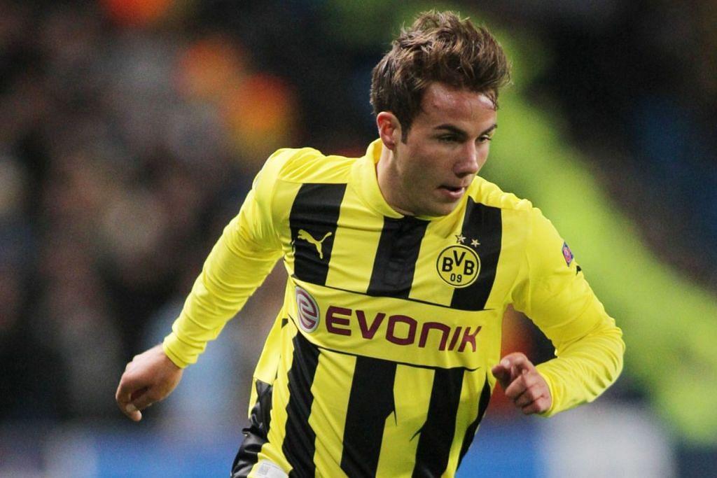 SEMARAK KERJAYA: Kebelakangan ini, Mario Gotze tidak lagi dianggap sebagai pemain utama di kelab Jerman, Borussia Dortmund, setelah gagal mendapatkan tempat dalam kesebelasan utama secara konsisten. Pemain itu dijangka mencari cabaran baru bagi menyemarakkan semula kerjayanya. – Foto-foto AFP, REUTERS, EPA-EFE
