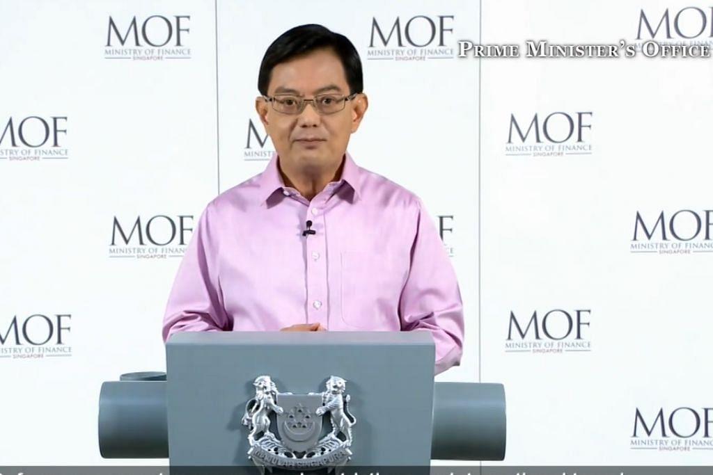 UMUM SOKONGAN BERTERUSAN: Encik Heng Swee Keat mengumumkan sokongan berterusan untuk pekerja dan perniagaan dalam satu Kenyataan Menteri yang disiarkan dalam talian dan menerusi televisyen.