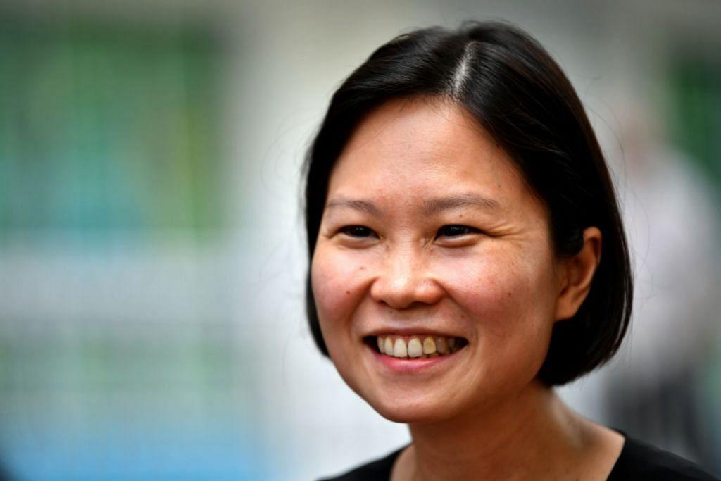 Cik Gan Siow Huang (SMC Marymount).
