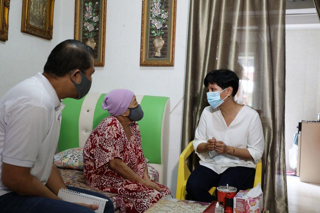 150,000 warga SG penghuni flat satu, dua bilik dapat baucar barang dapur