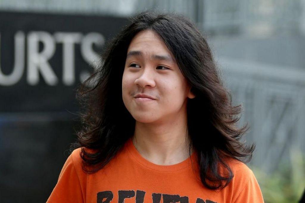 """Amos Yee dipercayai bertukar-tukar gambar bogel dan """"ribuan"""" pesanan dengan seorang remaja Texas berusia 14 tahun semasa di Chicago."""