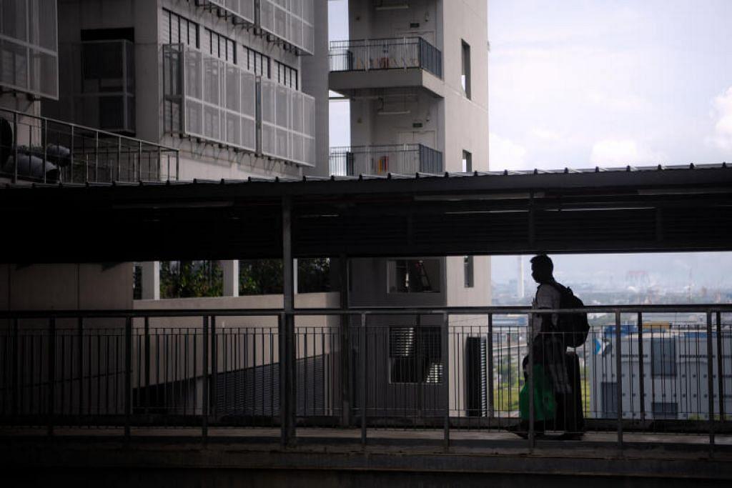 DUA KES DORMITORI: Kementerian mengesahkan bahawa dua kes jangkitan baru Covid-19 di dormitori dikenal pasti sewaktu kuarantin dan Ujian Rutin Yang Dijualkan bagi pekerja dormitori. - Foto HIASAN BH oleh MARK CHEONG